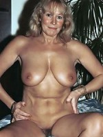 Nude Sexy Moms